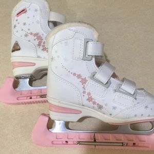 Shoes - Ice skates